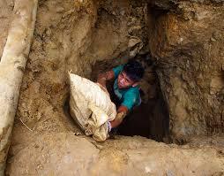 bambino in miniera