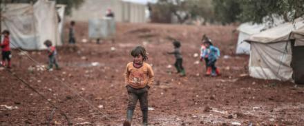 Tra le montagne di Azez i profughi siriani si sono costruiti una tendopoli